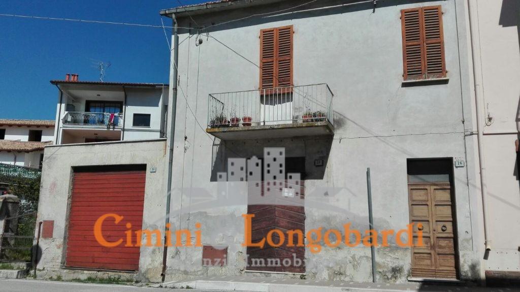 Casa affiancata nei pressi del centro storico di Nereto - Immagine 2