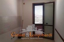 Appartamento residenziale con box auto cantina e posto auto - Immagine 4