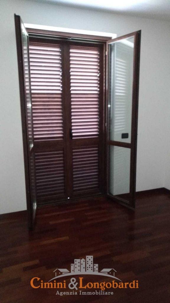 Appartamento residenziale con box auto cantina e posto auto - Immagine 6