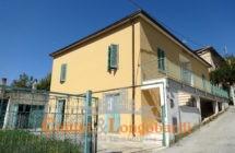 Casa singola a Sant'Omero - Immagine 1