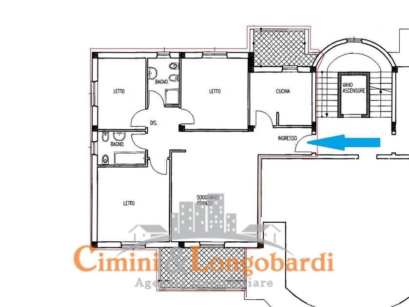 Luminoso appartamento con box auto - Immagine 9