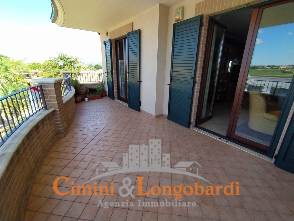 Ampio appartamento residenziale in vendita - Immagine 9