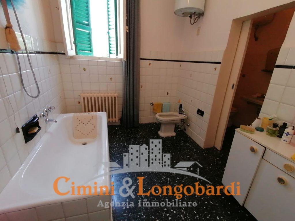 Villa storica in posizione centralissima.. Sant'Omero - Immagine 8