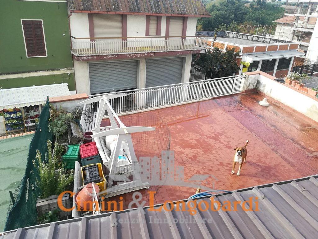2 abitazioni e locale commerciale centro storico Corropoli