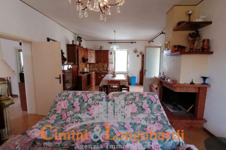 Casa singola a Sant'Omero - Immagine 3