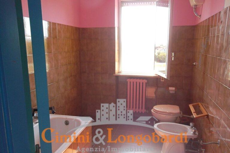 Appartamento residenziale ampio e luminoso - Immagine 7