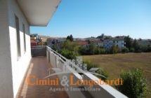 Appartamento residenziale ampio e luminoso - Immagine 9
