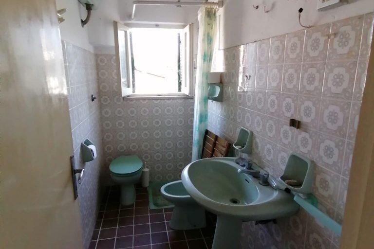Casa affiancata su 2 livelli con corte esclusiva - Immagine 7
