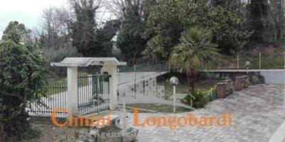 Casa singola su 2 livelli posizione residenziale