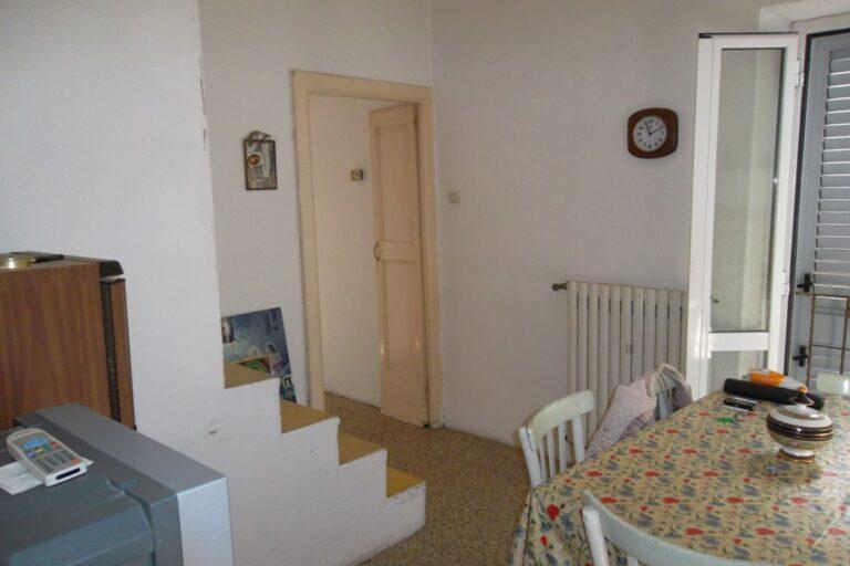 Casa storica in centro a Controguerra - Immagine 3