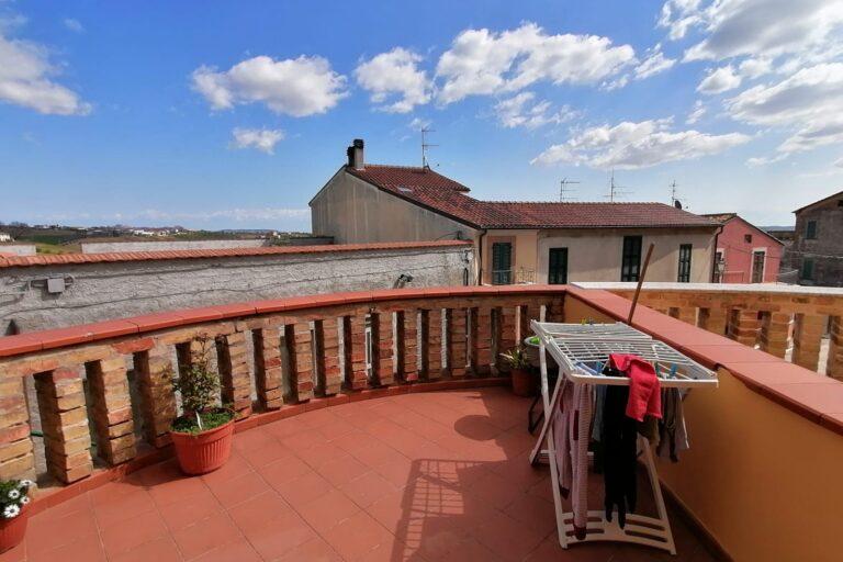 Caratteristica casa in centro.. Torano Nuovo - Immagine 2