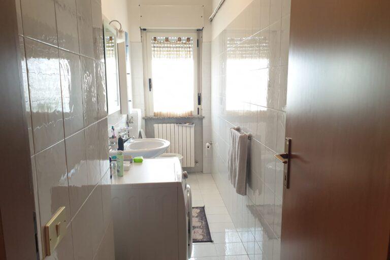 Appartamento di ampia metratura.. € 89.000,00 Nereto - Immagine 8