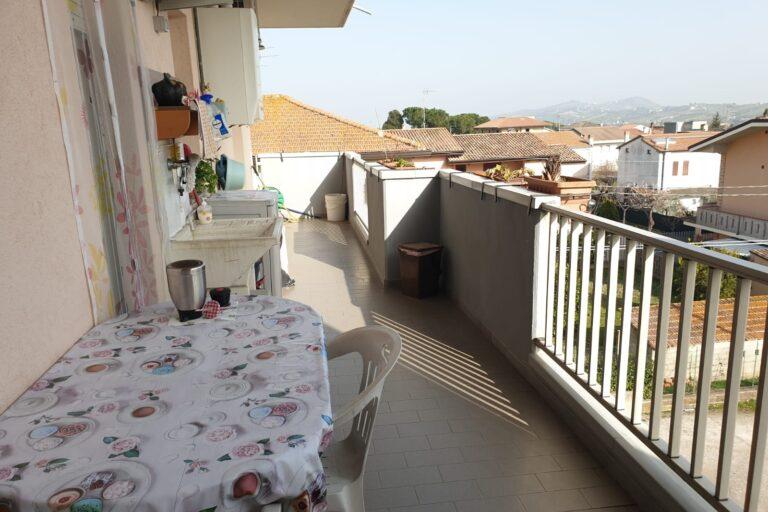 Appartamento di ampia metratura.. € 89.000,00 Nereto - Immagine 9