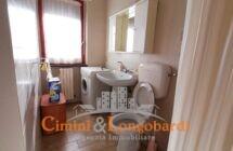 Ampio appartamento con box auto e cantina… Sant'Omero - Immagine 9