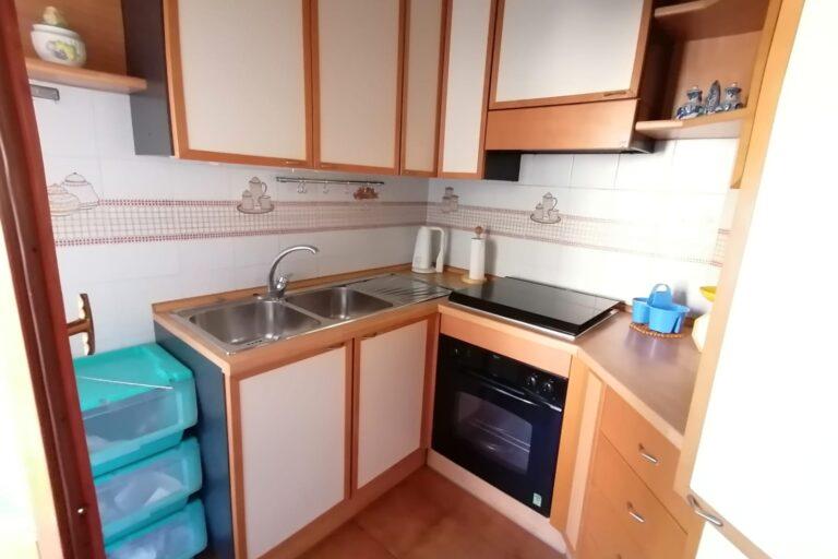 Ampio appartamento con box auto e cantina… Sant'Omero - Immagine 4