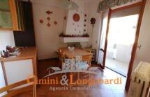 Ampio appartamento con box auto e cantina… Sant'Omero - Immagine 3