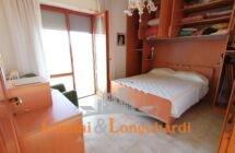 Ampio appartamento con box auto e cantina… Sant'Omero - Immagine 5