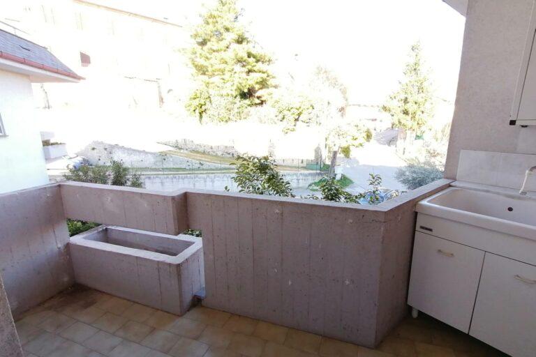Ampio appartamento con box auto e cantina… Sant'Omero - Immagine 10