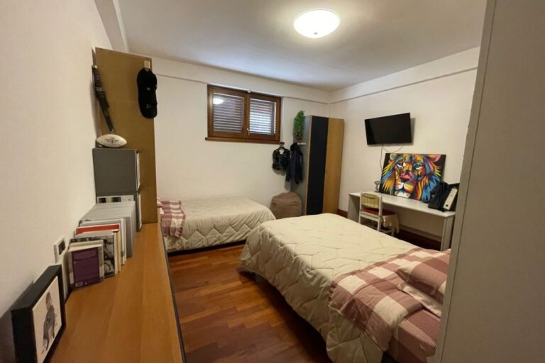 Luminoso Appartamento con posto auto e cantina.. Centralissimo - Immagine 6